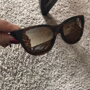 de375af8b7 Oakley Accessories - Oakley Hold Out Sunglasses Women